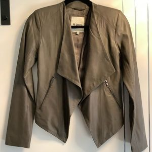 🌟HP🌟BB Dakota soft Leather Taupe open Drape XS
